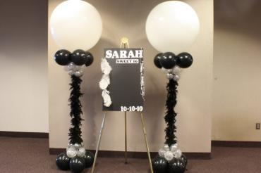 Black & white feather boa club columns