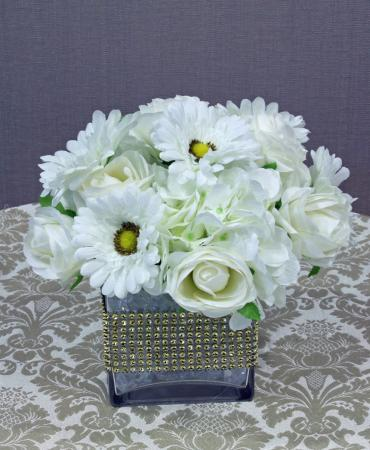 white flowers cube with gold diamond wrap