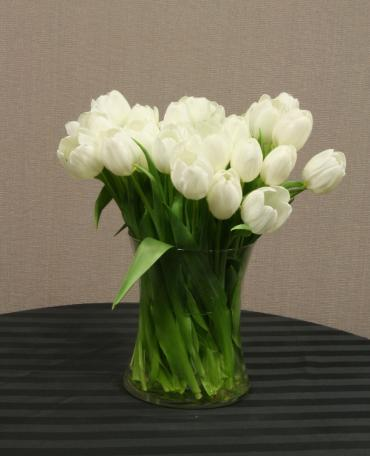 30 tulip centerpiece