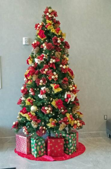 8ft. red & gold tree