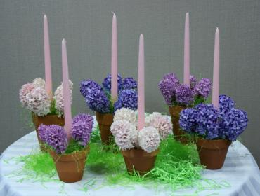 hyacinth    terracotta candle centerpiece