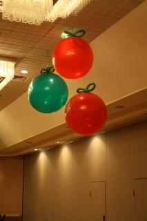 Giant balloon ornaments