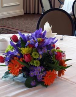 Primary color low centerpiece