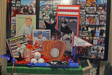 Hall of fame place card table display