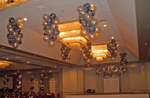 Balloon Ceiling Spirals (2)